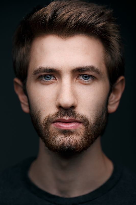 портрет, парень, студия Вазгенphoto preview