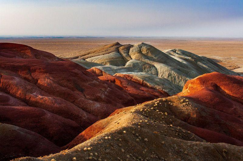 казахстан, или, алтын-эмель, красные горы Контрасты Алтын-Эмеляphoto preview