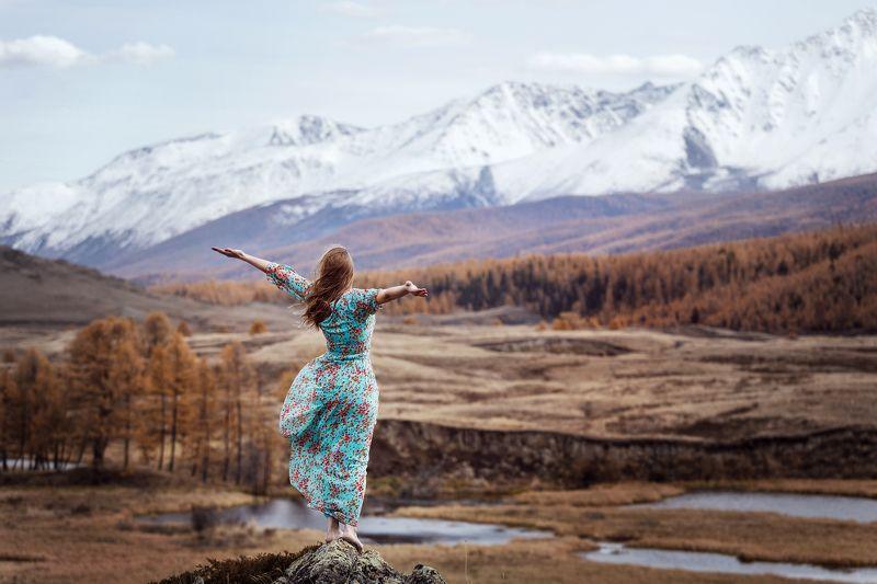 горы, природа, девушка, пейзаж, осень, алтай, свобода, портрет, mountains, portrait, nature, girl, autumn, freedom Дыхание свободыphoto preview