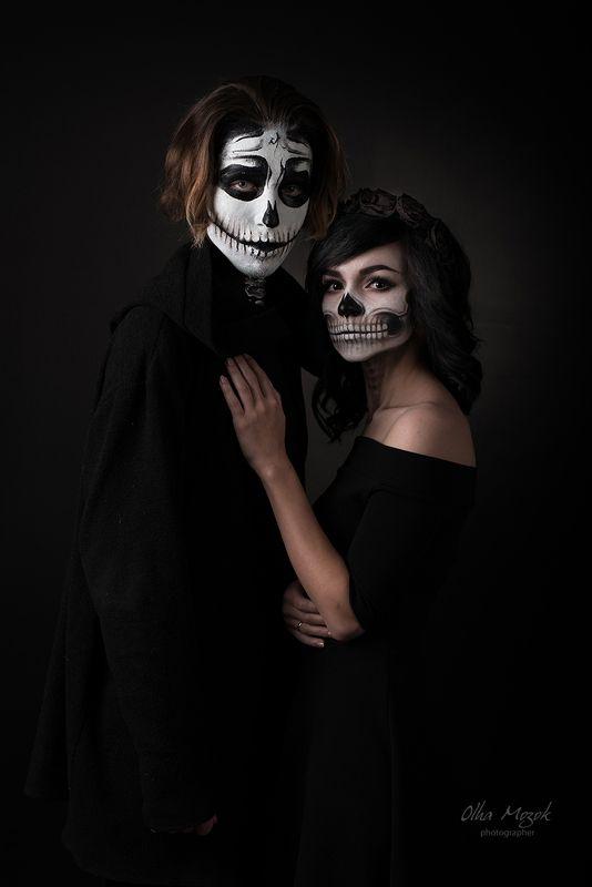 portraits, zombies, halloween, портрет, зомби, хэллоуин, страшные, грим, череп, черепа, праздник Halloween. Portrait of two zombiesphoto preview