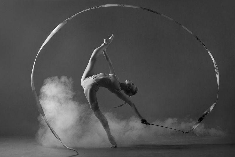 гимнастика, лента, дым Александраphoto preview