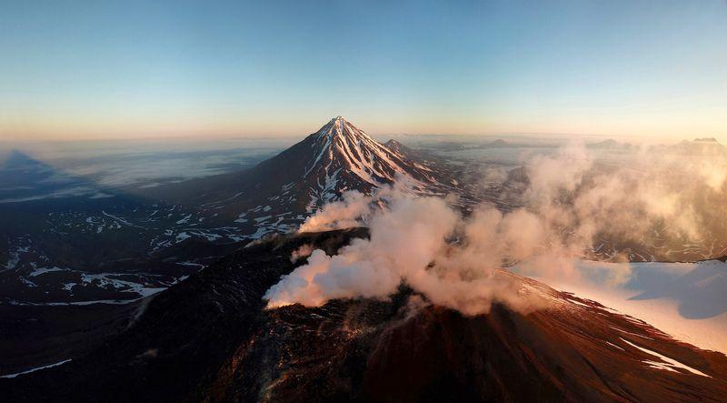 камчатка, авачинский вулкан, дрон, рассвет Рассвет в горахphoto preview