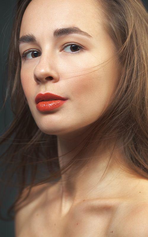Портрет, Воронеж, Студия, девушка, губы, красный Чувственный красныйphoto preview