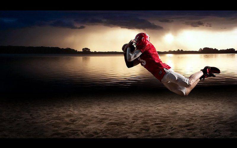 американский футбол, полет, прыжок, футболист The flyphoto preview