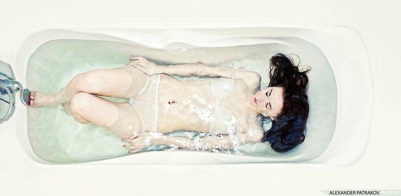 ванна, девушка, вода ***photo preview