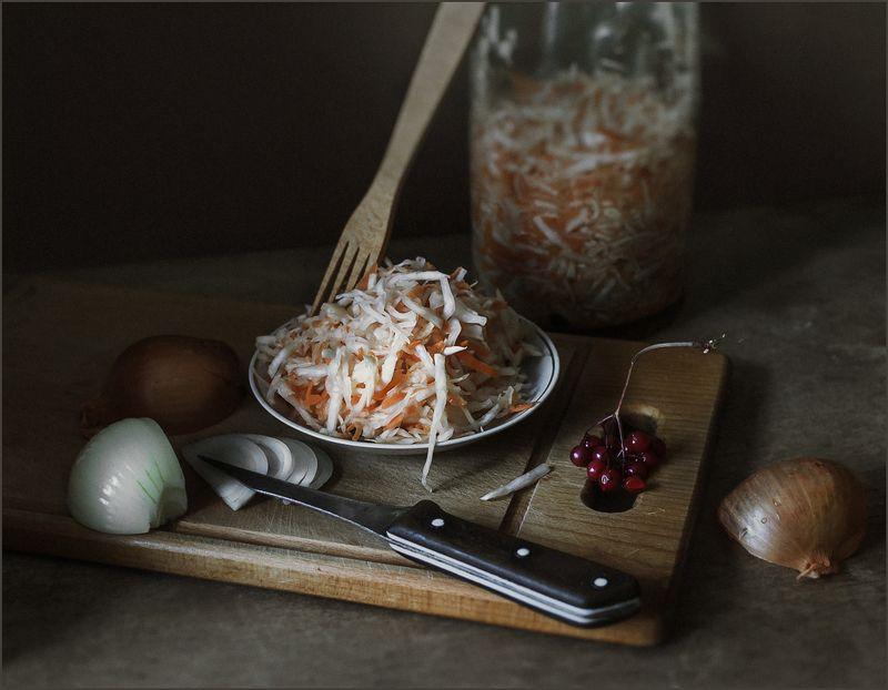 капуста, лук, закуска, калина, натюрморт ***photo preview