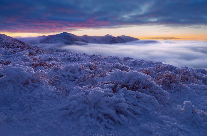 carpathians, romania, mountains, winter, landscape, nature, snow, зима, горы, карпаты, румыния, родна, пейзаж, природа, At the Galatului Mountainphoto preview