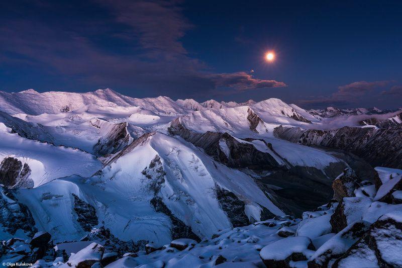 ночь, луна, тянь-шань, горы, вершина, пик мукагали, терскей алатау, сумерки, рассвет Терскей Алатауphoto preview