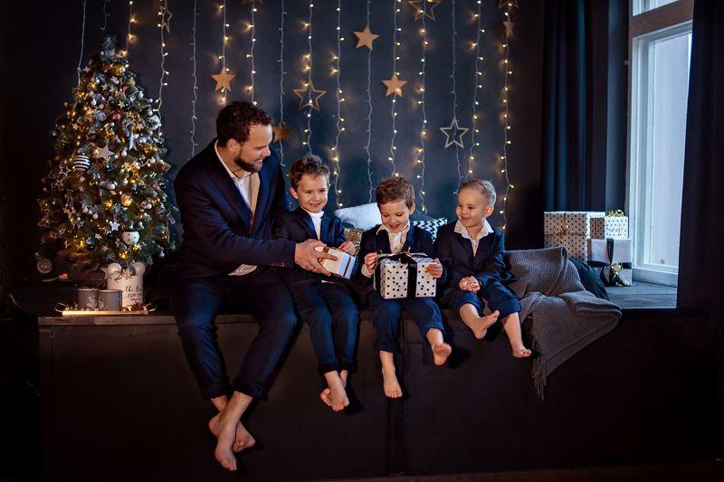 3 сыночка и лапочка дочкаphoto preview