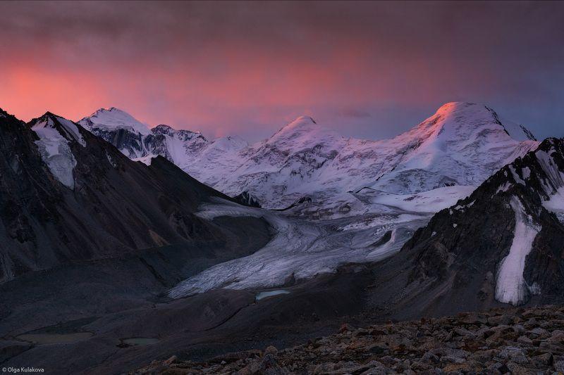 горы, баянкол, тянь-шань, рассвет, утро, пик мраморная стена, пик рго, пик карлытау, пик казахстан, пик баянкол, сарыджаз, центральный тянь-шань Рассвет уходящего летаphoto preview