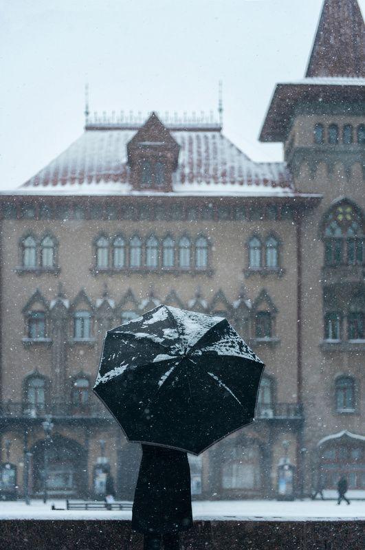 город, архитектура, зонт, саратов Предчувствиеphoto preview
