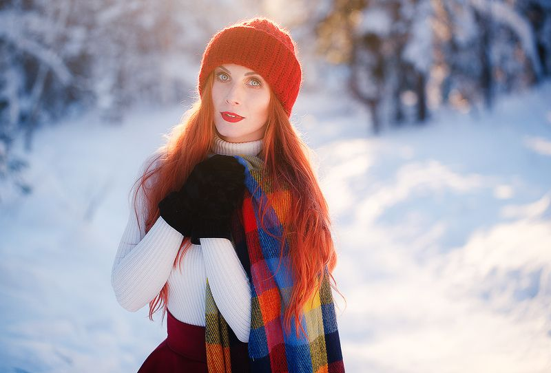 девушка, рыжая, зимняя фотосессия, лес, зима Еленаphoto preview