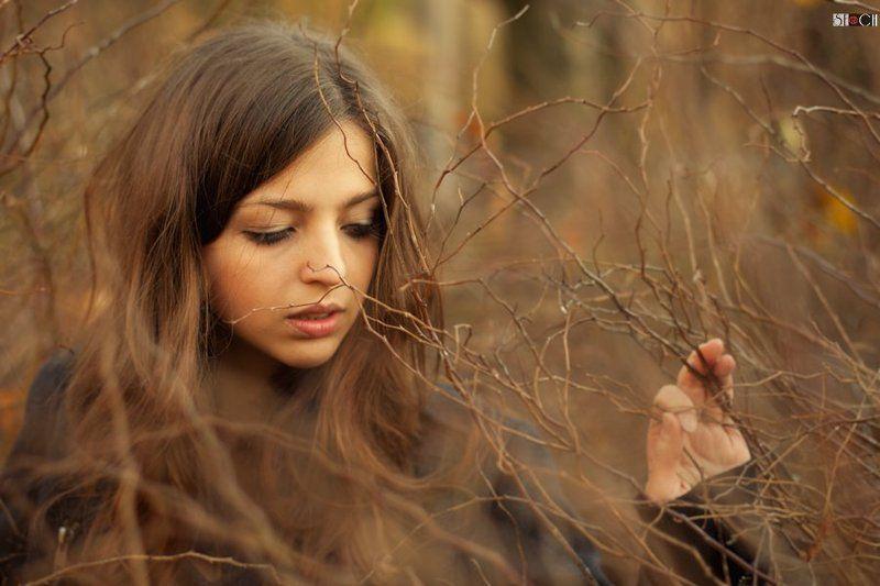 портрет, улица, осень, природа Сашаphoto preview