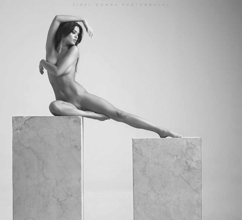 model, monochrome, art, studio We can´t stop the timephoto preview