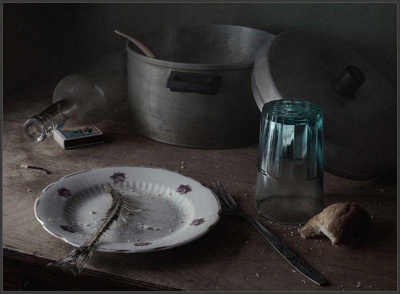 стакан, тарелка, натюрморт ***photo preview