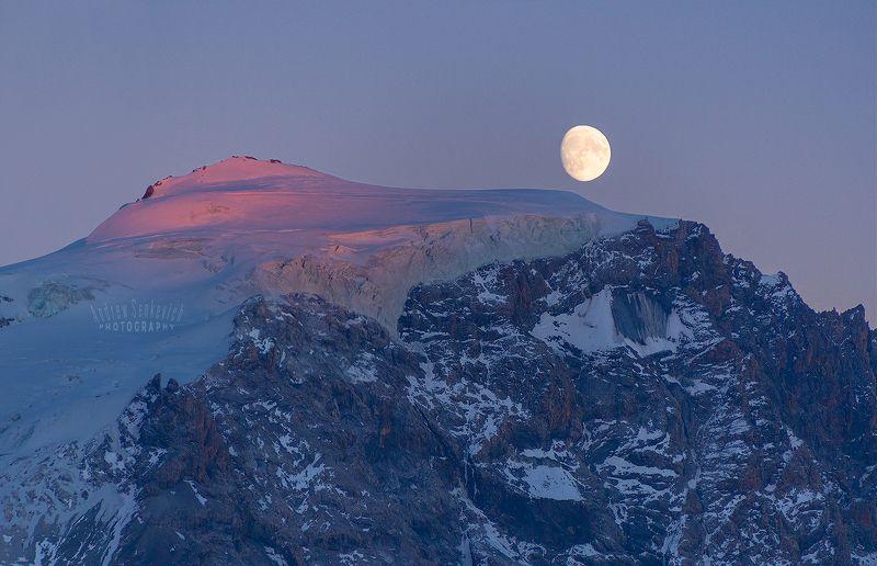 moonrise, moon, sunset, луна Восход Луны над ледяной вершинойphoto preview