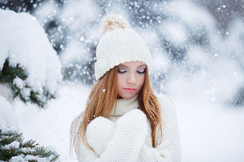 зима, холод, девушка, горы, мороз, портрет, фотосессия, дмитрий воробей Маленькой ёлочке холодно зимой..photo preview