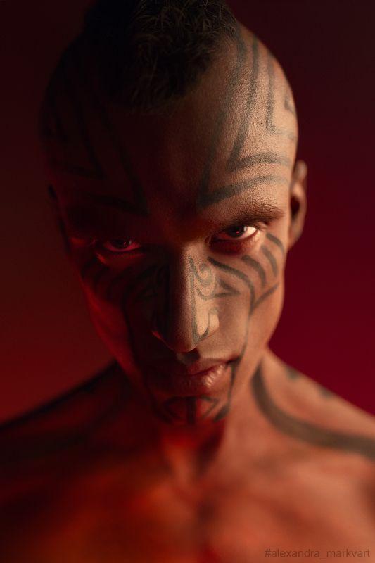 Цветной свет, маори, бьюти, фэшн, портрет, мужчина, злость, Color light, Maori, beauty, fashion, portrait, man, anger Маориphoto preview