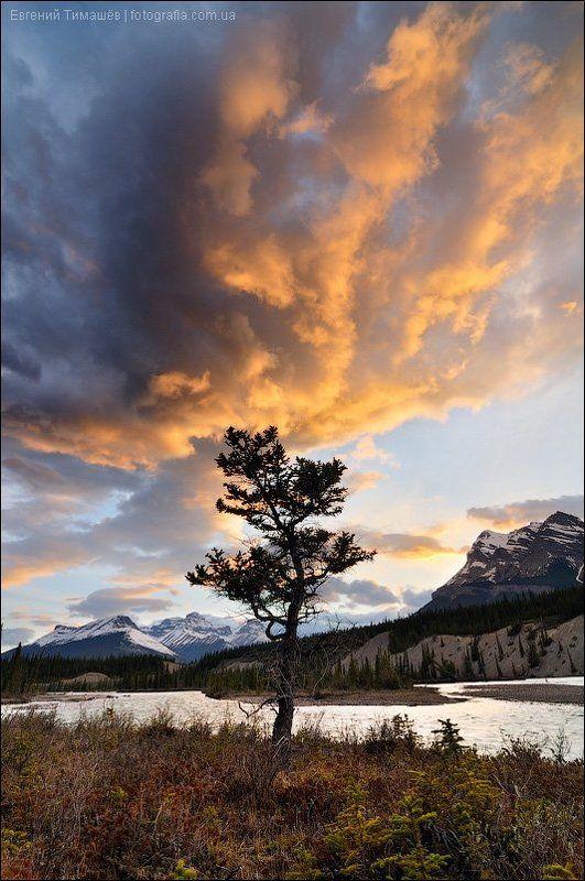 Закат на реке Северный Саскачеванphoto preview