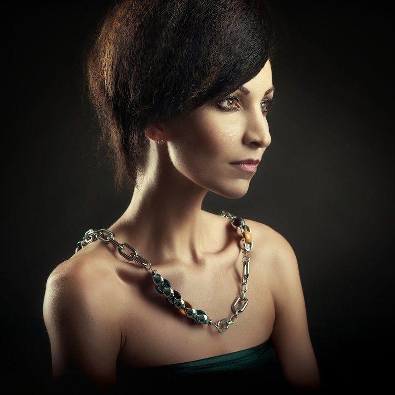 portrait, studio, woman, beauty, jewelry ...photo preview