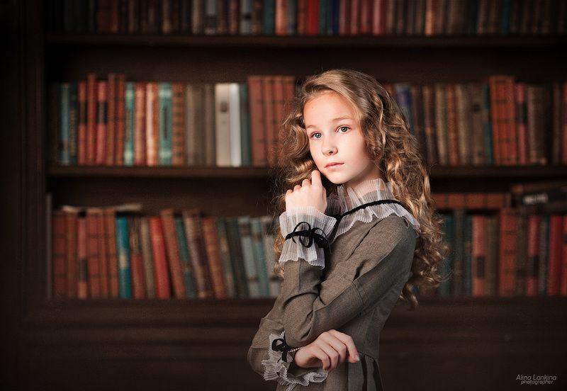 портрет, девочка, ребенок, книги, библиотека ***photo preview