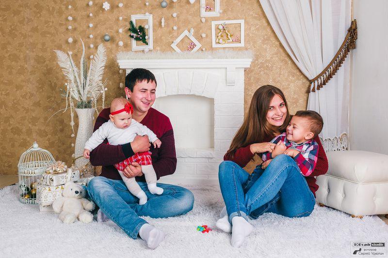 Веселая семьяphoto preview