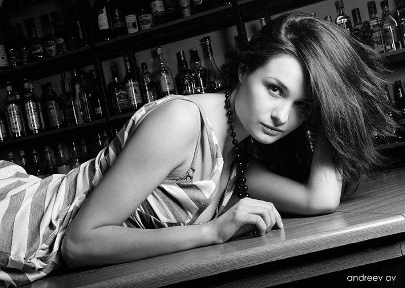 бар, стойка, девушка, черно-белое, гламур ***photo preview