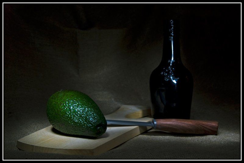 авокадо, световая кисть, натюрморт Этюд с авокадоphoto preview