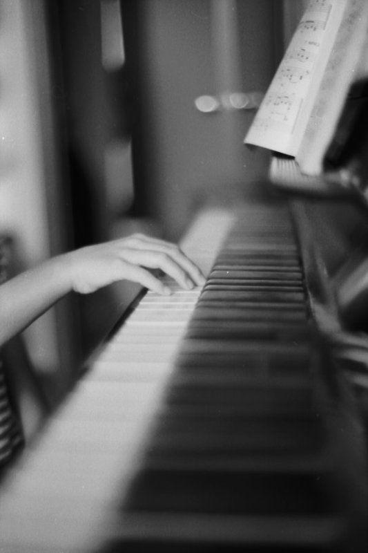 фортепиано пальцы рука игра музыка Движение душиphoto preview