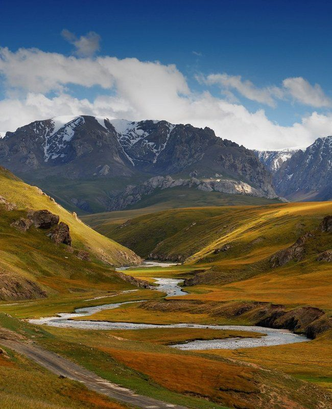 киргизия, горы, плато, реки На пути к плато Кок-Кияphoto preview