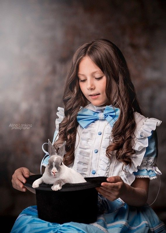 портрет, девочка, ребенок, кролик, студия, стилизация, алина ланкина Ника и кроликиphoto preview