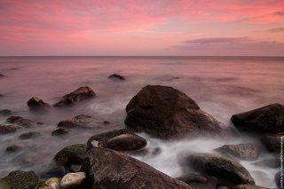 Нежные краски осеннего вечера на море