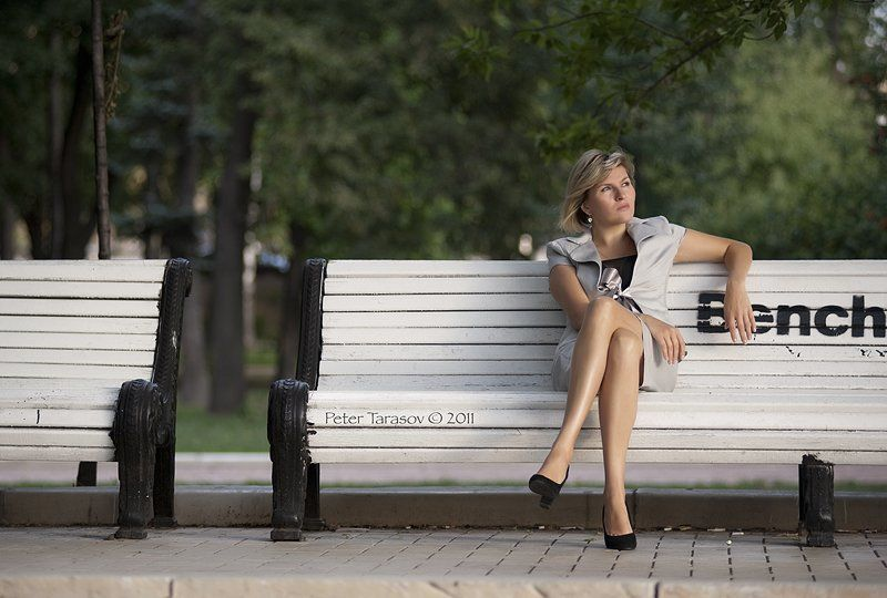 портрет, парк, скамейка *photo preview
