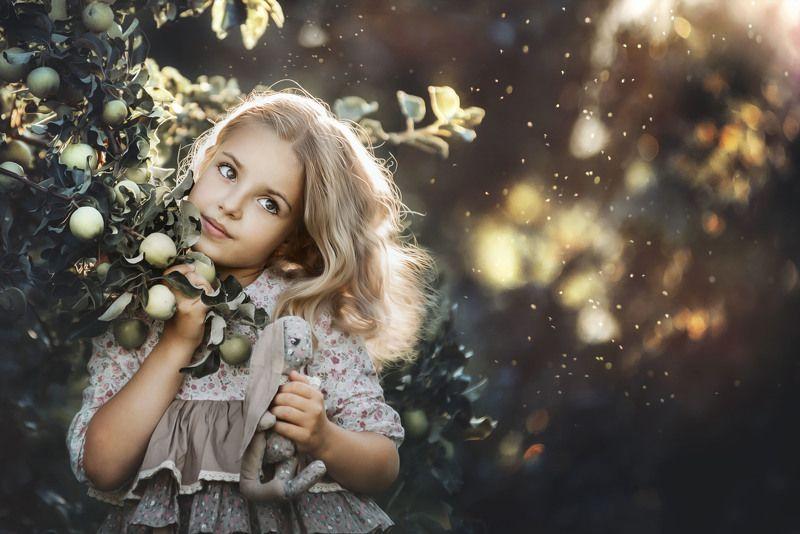 портрет, дети, Про яблочкиphoto preview