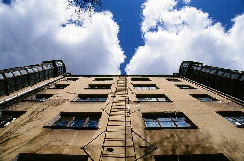 Лестница в небоphoto preview
