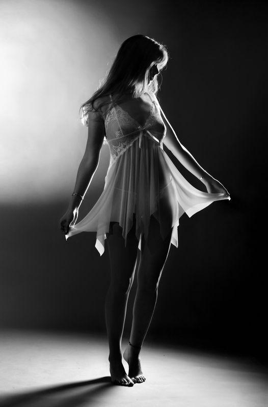 girl, model, night, beauty, hair, legs, fashion, emotive, backlight, sexy, transparent, monochrome, Night Beautyphoto preview