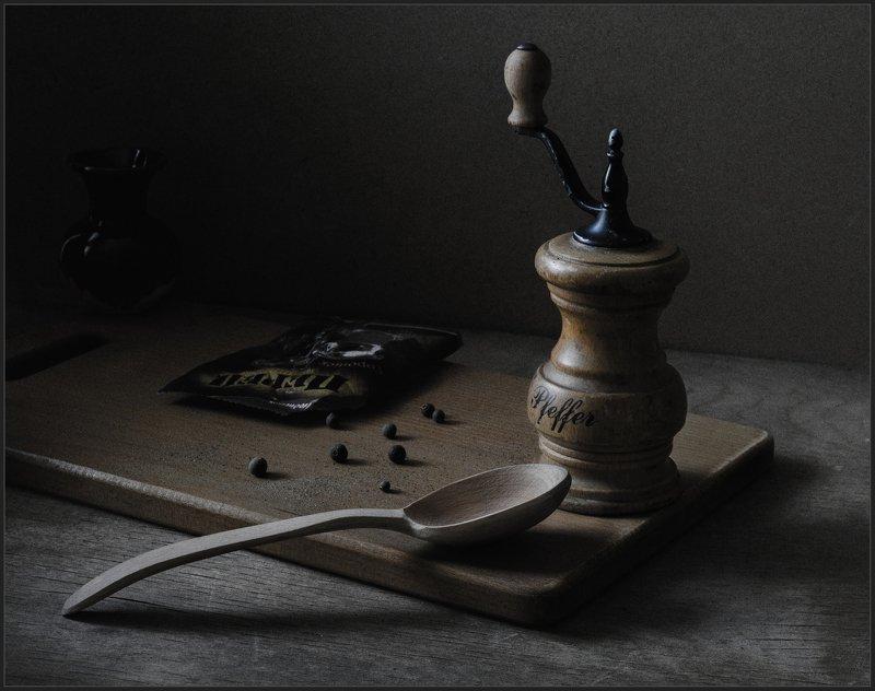 ложка, мельница, перец, натюрморт ***photo preview