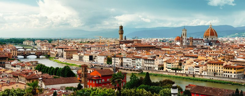 флоренция, италия, микеланджело, река, старый город, понте векьо, горы, облака, черепица, крыши, путешествие Флоренция. Вид с площади Микеланджелоphoto preview