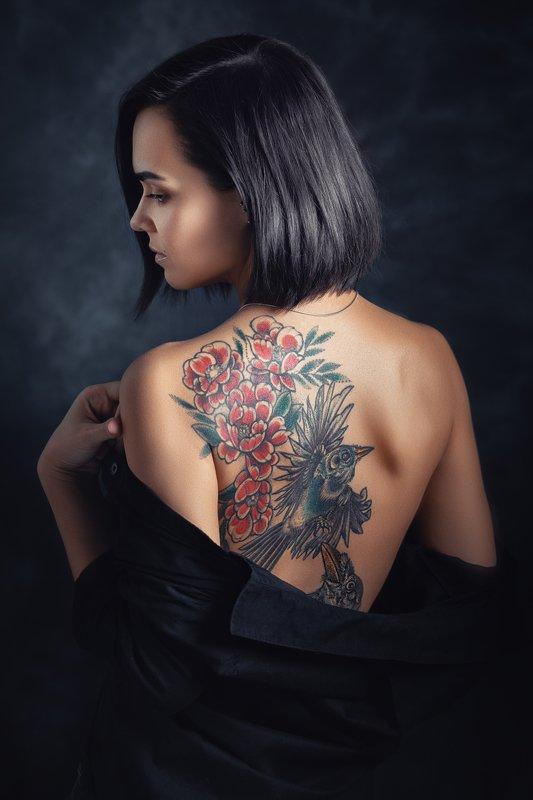 Юлия, татуировка, спина Тату_1photo preview