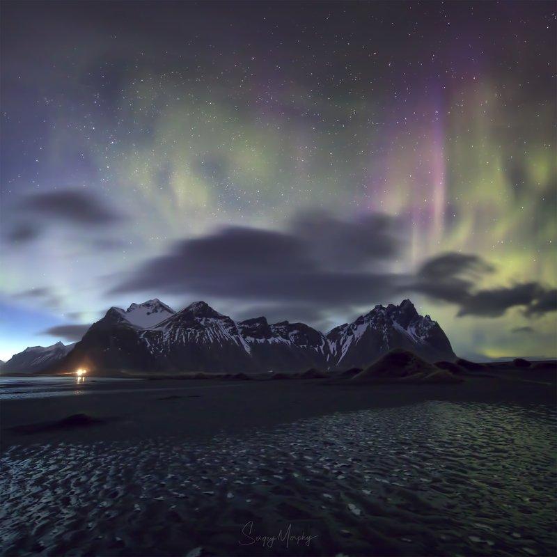 Strange northern lights over Vestrahorn. Iceland\'19photo preview