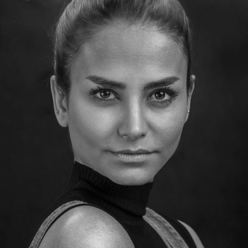 #famaleportrait#portrait Atiphoto preview