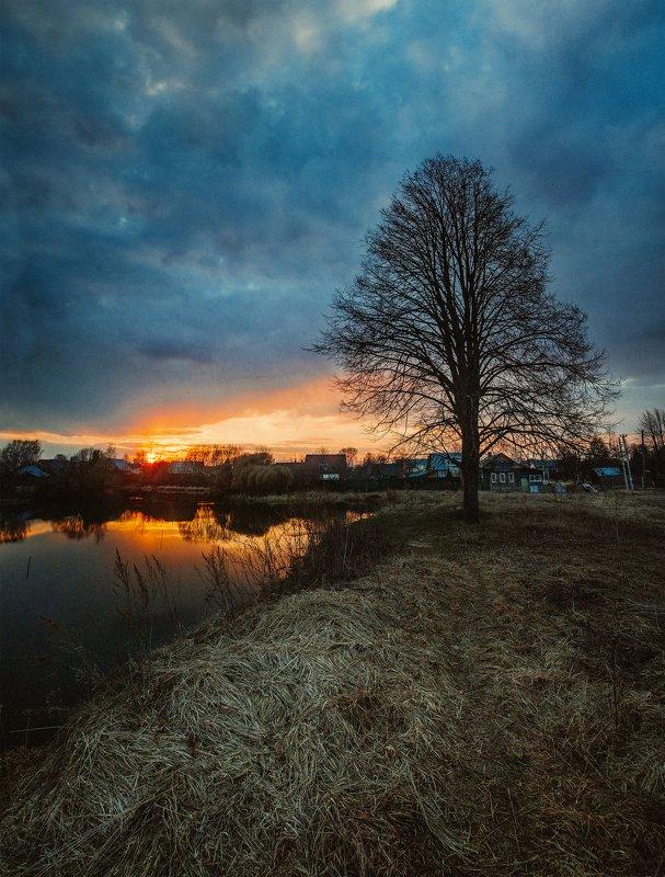 закат, россия, пруд, в деревне Апрельский закатphoto preview