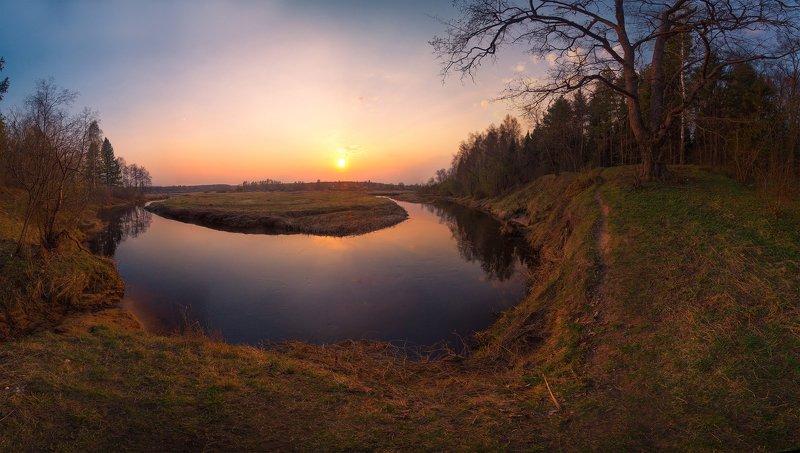 россия, река. вязьма, ивановская область На поворотеphoto preview