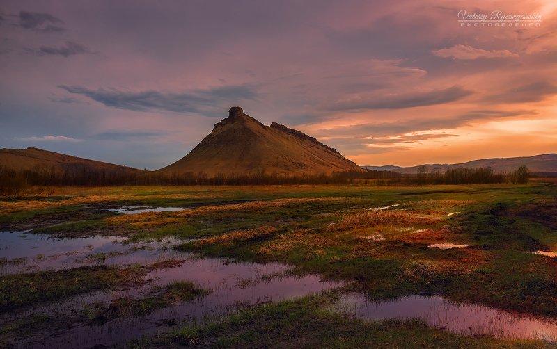 сундуки, сибирский пейзаж, Хакасия, закат, отражение, путешествие, Сибирский стоунхендж, Сундукиphoto preview