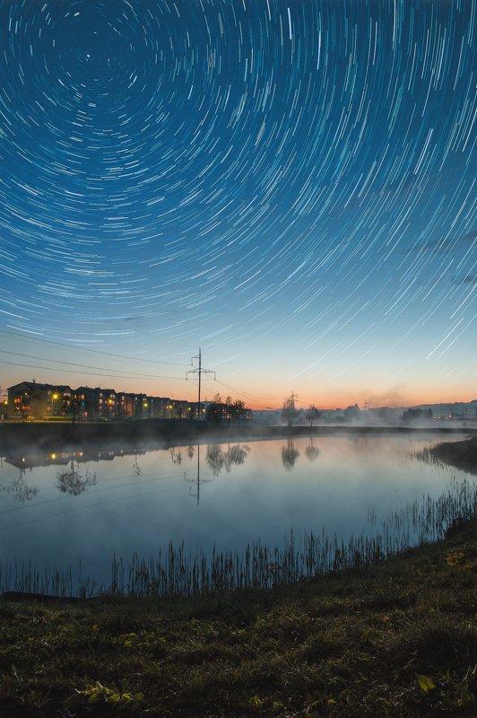 ночь звёзды вода туман Городское озероphoto preview