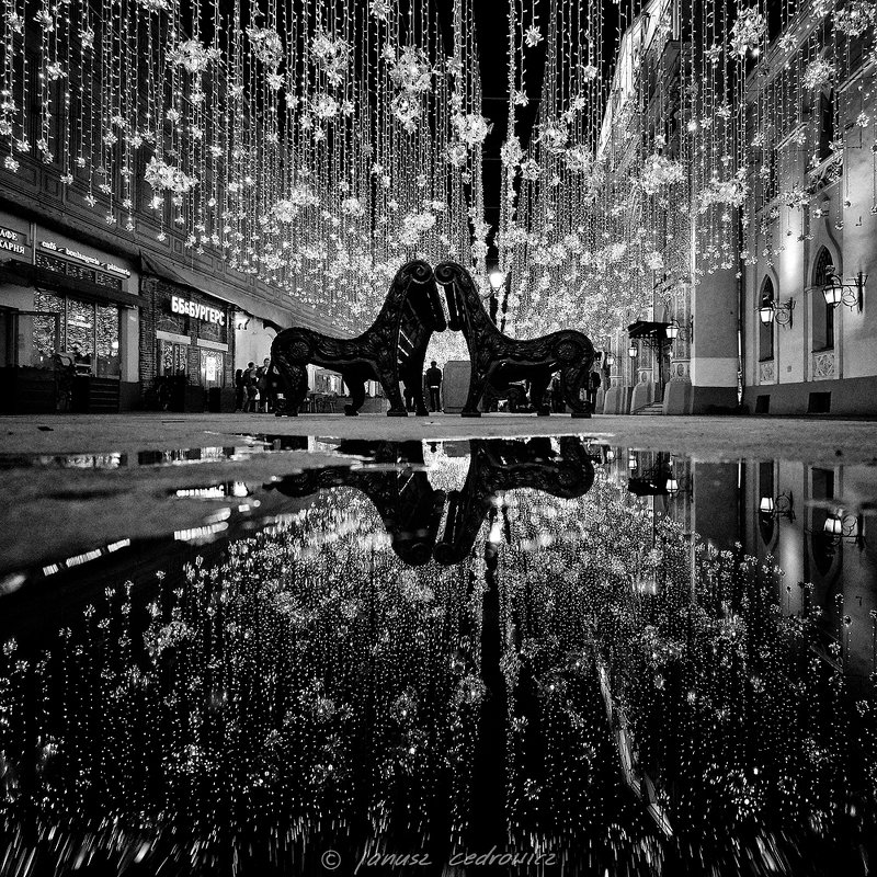 russia,moscow,nikolskaya,street,city,blackandwhite,monochrome,mirror,water,walk,lights,night, nikolskayaphoto preview