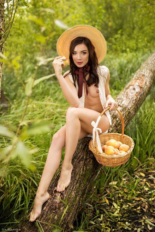 kiev, sexy, ukraine, girl, model, light, colors, retro, peach, nature, portrait, nu, nude ANphoto preview