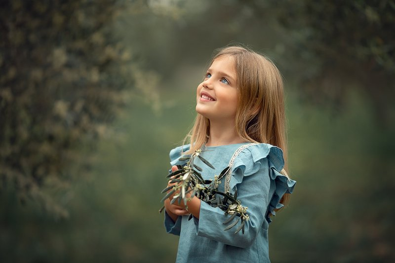 девочка улыбка портет ***photo preview
