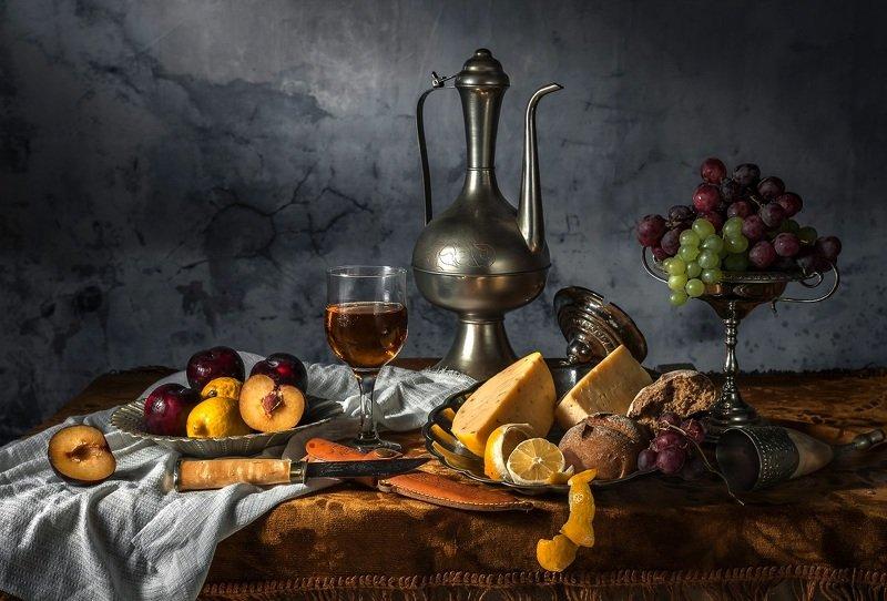 сыр, виноград Натюрморт с сыром и виноградомphoto preview
