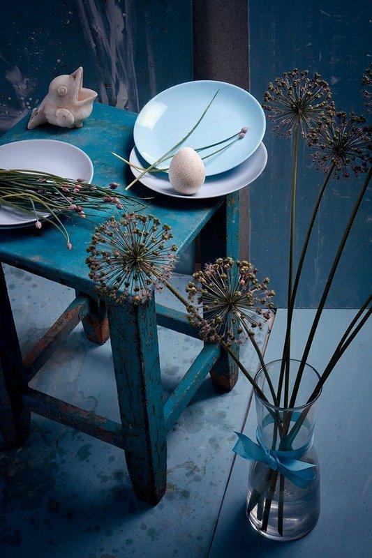 яйцо, цветы, лук, табуретка, тарелки Про яйцо и воронуphoto preview